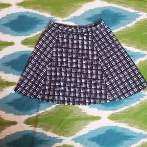 LILLY WHITE mini black and white skirt size small